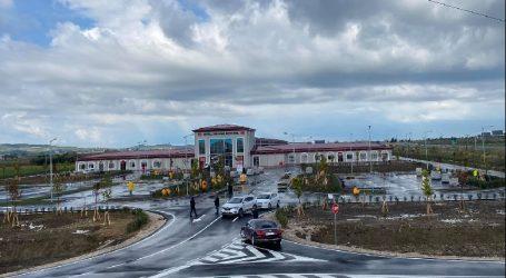 """Jemi gati""/ Manastirliu publikon videon nga Spitali Memorial i Fierit"