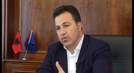 Protesta në Rinas/ Peleshi zbardh vendimin: Kontrollorët do të zëvendësohen me shqiptarë e të huaj