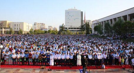 Falja, në sheshin 'Skënderbej'/ Komuniteti Mysliman i Shqipërisë vjen me njoftimin zyrtar për festën e 'Fitër Bajramit'