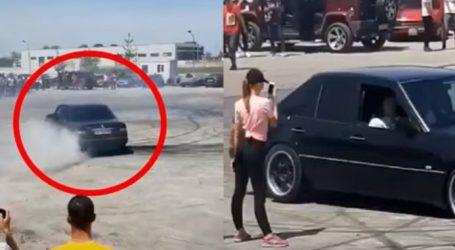 VIDEO/ Vajza nga Fushë Kruja i 'djeg' gomat 'Mercedes-Benz-it', bën xhirime dhe drift më mirë se çunat