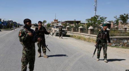 Bomba në makinë vret 30 persona në Afganistan
