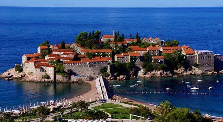 Mali i Zi vendos të mjekojë falas turistët që infektohen me COVID-19