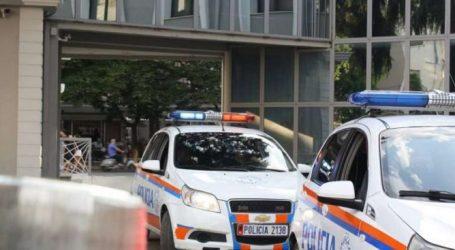 Një qytetar kërcënon se do të hidhet nga ndërtesa në qendër të Tiranës